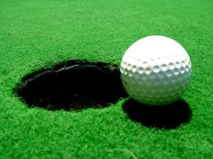 1280px-Golfball