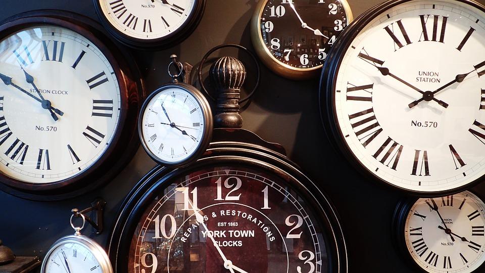clocks-1098080_960_720