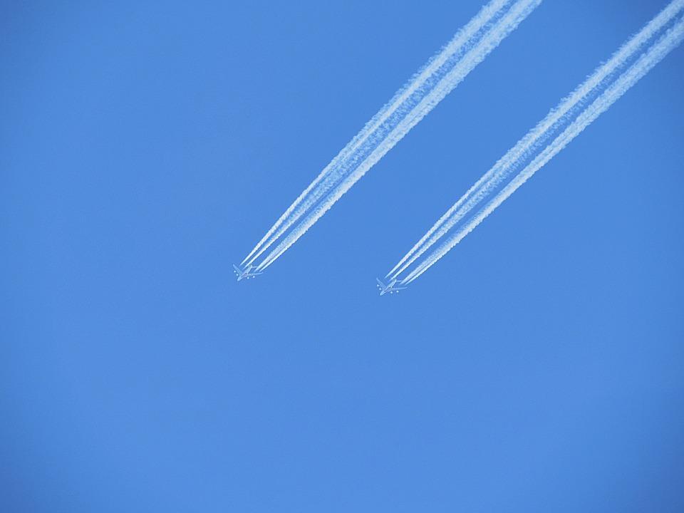 aircraft-466418_960_720